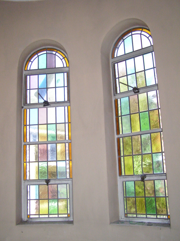 Side chamber windows 4