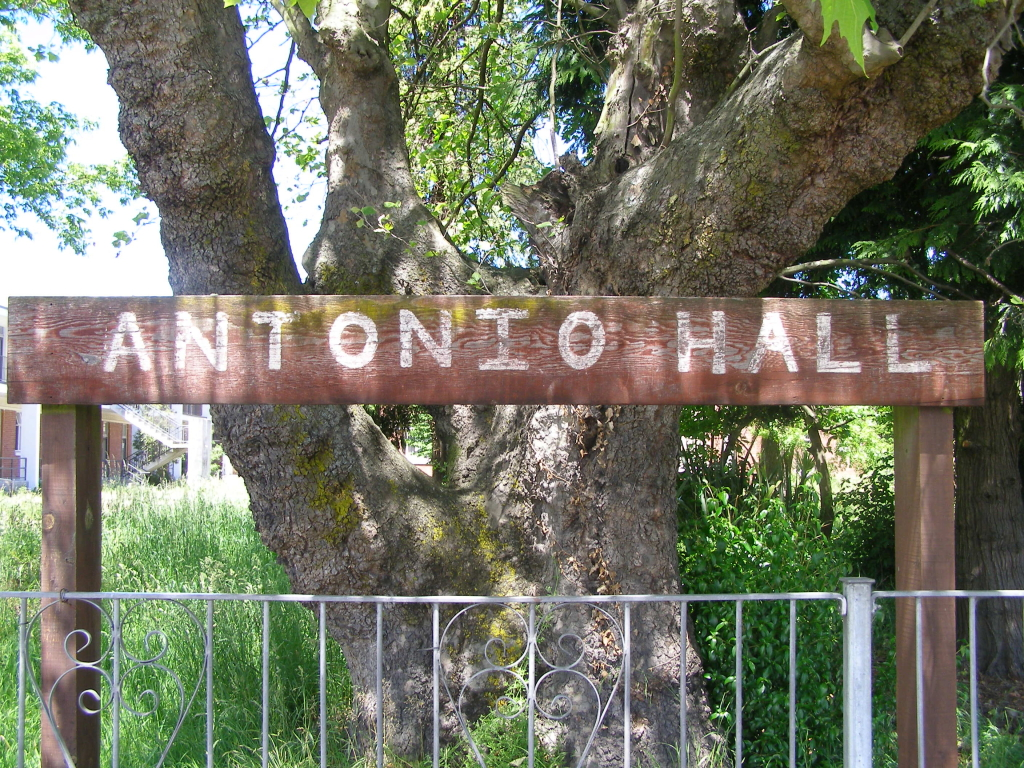 Antonio Hall sign
